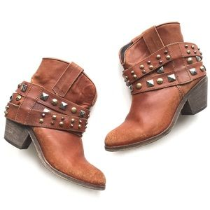 Corral Urban Antique Saddle Studded Ankle Booties